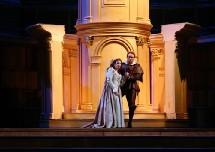 Opéra de Toulon : Un Rigoletto sans flonflons ni rengaines. Par Christian Colombeau
