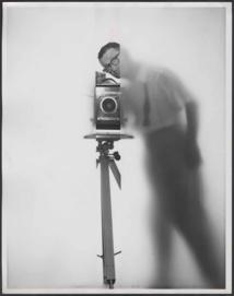 Erwin Blumenfeld autoportrait NY 1950 ˝ The Estate of Erwin Blumenfeld