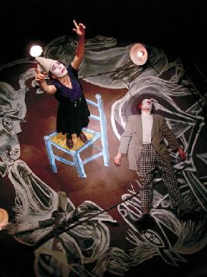 28/03 au 3/04 <> Augustes - Petit théâtre Baraque. Cirque intimiste. Au Toboggan à Décines (69)