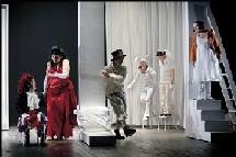 1/04 <> Alice ou le monde des Merveilles - Jean-François Auguste, Madeleine Louarn // théâtre onirique. Au Toboggan à Décines (69)