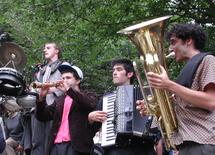 19 juin, Mazalda à la Cascade, Maison des arts du clown et du cirque à Bourg-St-Andéol (07)