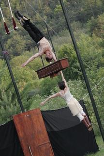 30 avril au 2 mai, « Toccata » avec le Cirque Hirsute à la Cascade, maison des arts du clown et du cirque