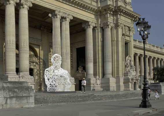 19 au 23 mars, Babel n'est plus une catastrophe ! sculpture NOSOTROS de Jaume Plensa, sur le parvis du Grand Palais
