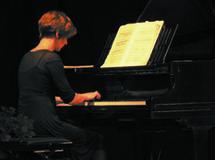 9 mai 09, Récital Ubac par Sylvie Sagot-Duvauroux, piano à la Galerie l'Arbre de vie au Château de Blacons (Drôme)