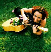23 Mai à 19h, Concert Vis à Vies avec Myriam Daups au Château de la Tour d'Aigues, Var