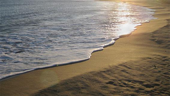 « La mer, la mer toujours recommencée.»  Paul Valéry