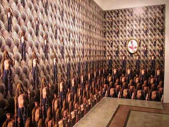 Inci Eviner, An explosive heart, 2002. Œuvre murale