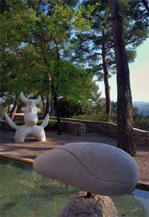 Labyrinthe Miró : l'Oiseau lunaire, 1968, Femme à la chevelure défaite, 1968
