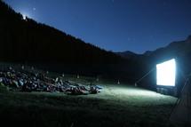 2 au 14 août, Festival Grandeur Nature. « En août, les plus hautes projections en plein air d'Europe s'invitent dans la vallée du Queyras »