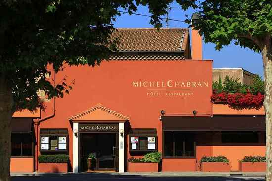 Façade du restaurant Michel Chabran © C. Moirenc
