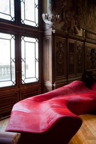 6 septembre au 30 novembre, Design à la cour, objets de série et d'exception dans les collections du château de fontainebleau et du centre national des arts plastiques.