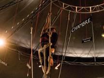 7 novembre, Bonlieu Scène Nationale présente Tour Babel de Matthieu Malgrange (Théâtre / Cirque) sous chapiteau, aires de jeux Renoir, Cran-Gevrier