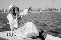 Egypte, sur le Nil à hauteur de Karnak, 1957, photo Léonard Gianadda, Médiathèque Valais-Martigny