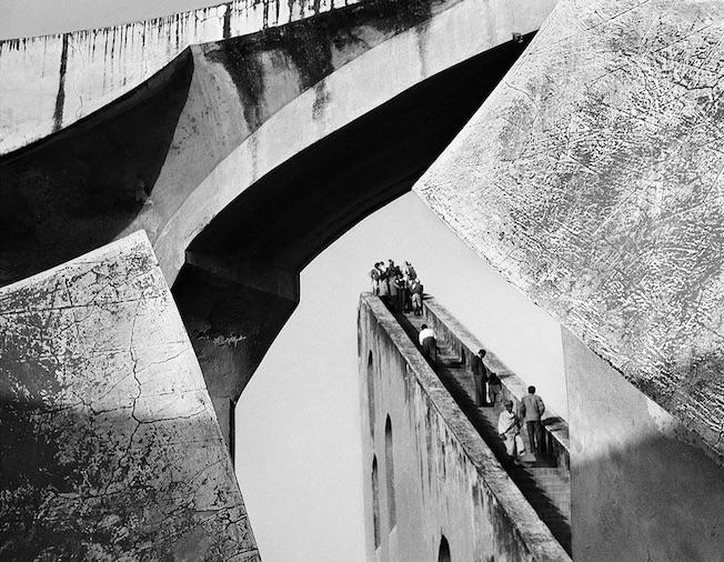 Observatoire, Delhi, Inde 1955 Lucien Hervé © Lucien Hervé, Paris