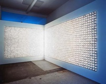 Carsten Höller, Light Corner (Light Wall), 2000 © photo : Galerie Air de Paris, Paris/CNAP.