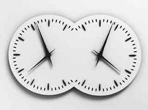 Esther Shalev-Gerz Les Inséparables, 2000-2010. Horloge, 67 x 120 x 15 cm. OEuvre produite par la Manufacture Jaeger-LeCoultre, partenaire privilégié de l'exposition. © Esther Shalev-Gerz, ADAGP, Paris 2010