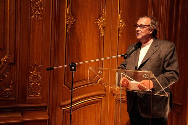 Gilles Fuchs, président de l'ADIAF annonce les artistes nommés pour le prix marcel duchamp 2010