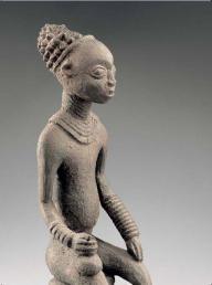 BANGWA CAMEROUN Statue commémorative d'un roi Bois et pigments. H. : 79 cm Musée Dapper, Paris. Inv. n° 0297 © Musée Dapper – photo Hughes Dubois.
