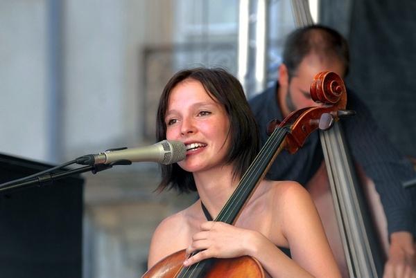 Anne Sila, chanteuse et violoncelliste © DR