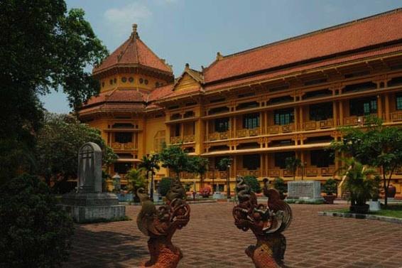 © Michel Klein - L'ex-musée de l'Ecole française d'Extrême- Orient marque l'avènement du style indochinois dont le chef de file est Hébrard, l'urbaniste du Hanoi des années 1920.