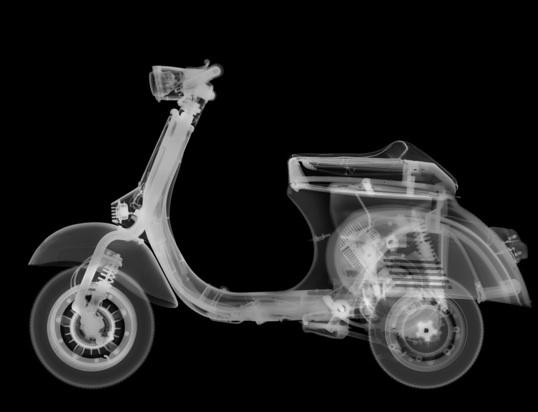 Exposition Nick Veasey : Radiographie de la mode à L'Espace La Vallée, du 19 mars au 4 septembre 2011