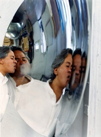 Anish Kapoor © Johnnie Shand-Kydd, 2003
