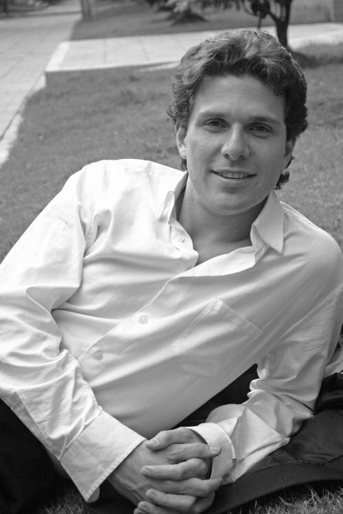 Hyalmar Mitrotti, baryton-basse, un talent à découvrir