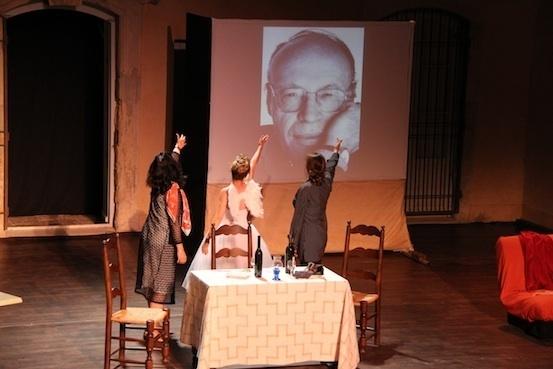 L'hommage des acteurs à Patrick Cauvin lors du final © P. Aimar