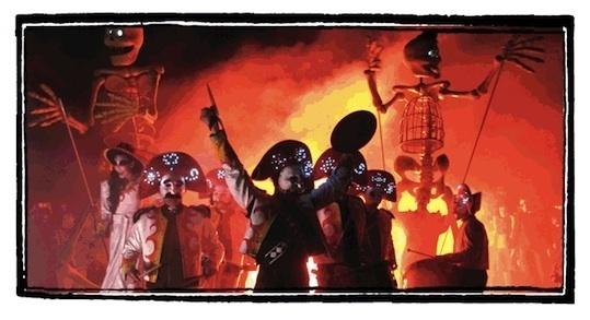 « Les Tambours de la Muerte », cie Transe Express au festival « Ceci n'est pas un petit festival » à Grâne (Drôme) le 22 octobre 2011