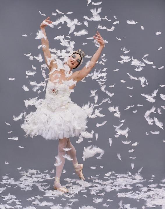Les Ballets Trockadéro de Monte Carlo La mort du Cygne © Sascha Vaughan