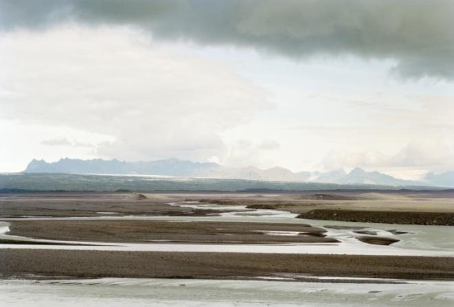 Thibaut Cuisset, Sans-titre (Skeidarársandur, Islande), 2000, Série « Le dehors absolu », Courtesy Galerie Les filles du calvaire, Paris