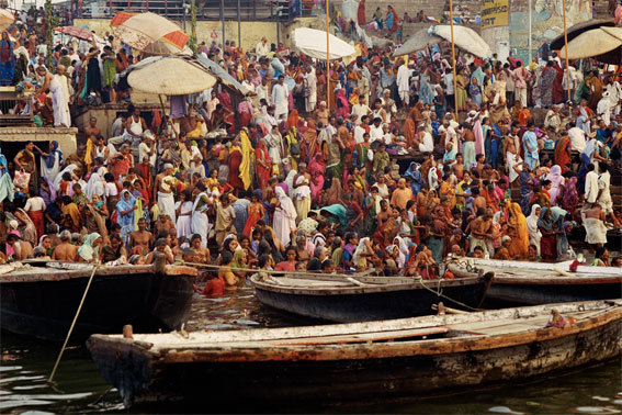 Lever du jour sur les Ghâts de Dasaswamedh - Varanasi - UTTARPRADESH - Juin 2001