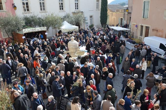 Marché aux truffes, place de l'Esplan © Marché des Trufficulteurs de Saint Paul Trois Châteaux