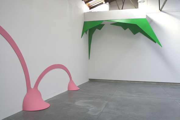 qergreg, 2010, Acrylique sur toile, bois. Dimensions variables. CRAC le 10neuf, Montbéliard. Photo : N. Guiet. Courtesy galerie Jean Fournier.