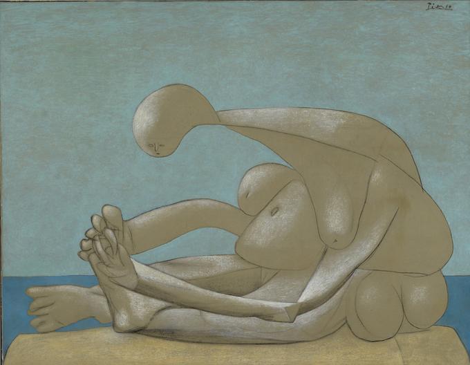 Pablo Picasso, Femme assise sur la plage, 1937 © Succession Picasso, 2020. Image © Lyon MBA - Photo Alain Basset
