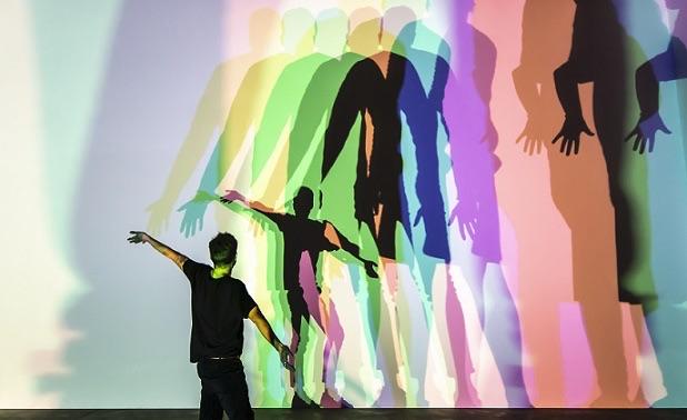 Olafur Eliasson Ton ombre incertaine (couleur) [Your uncertain shadow (colour)], 2010 © DR