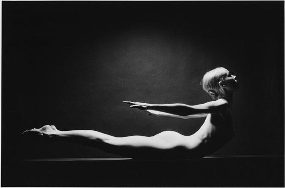Photo © Jeanlou Sieff : Carlyn Carlson. Paris, 1974