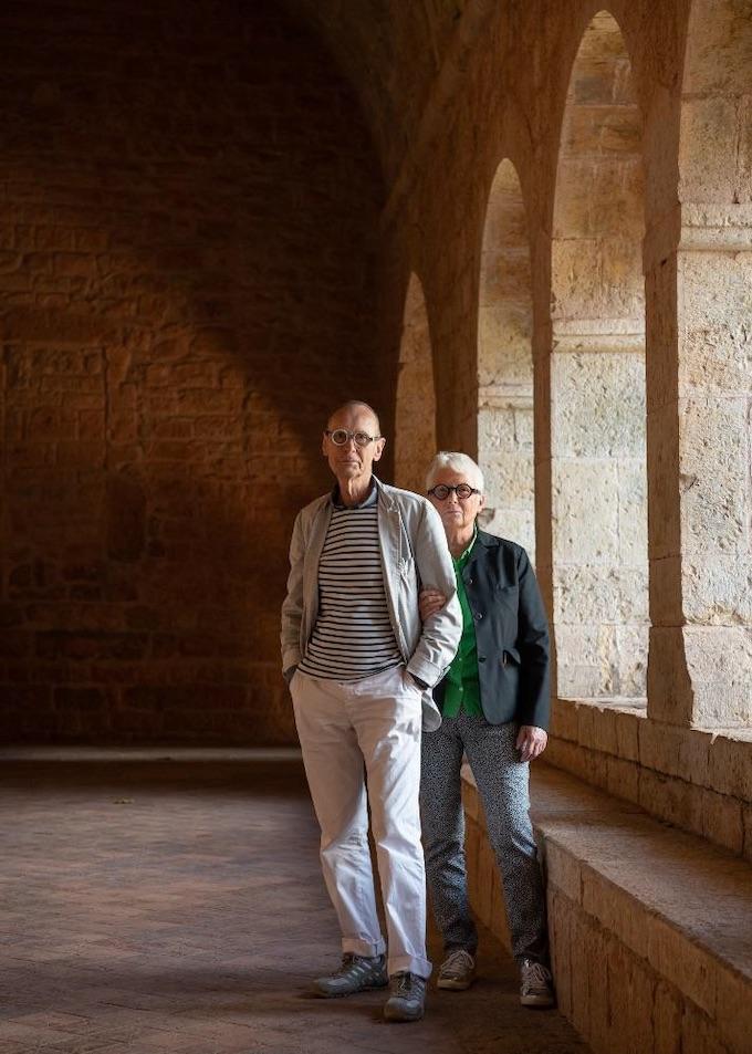 Anne et Patrick Poirier à l'abbaye du Thoronet, 2019 © Ambroise Tézenas – Centre des monuments nationaux