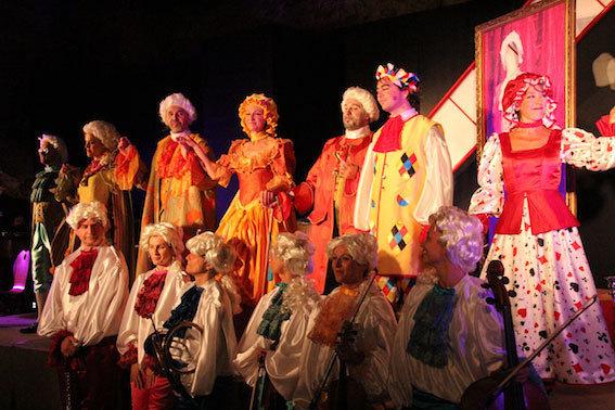 Deux opéras aux costumes éclatants et d'un goût exquis © Pierre Aimar