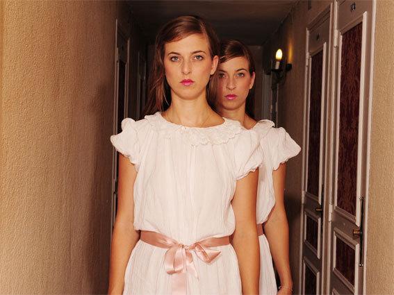 Isaya. Les deux sœurs jumelles aixoises Caroline et Jessica Jeandon sont le fil rouge musical du festival © DR