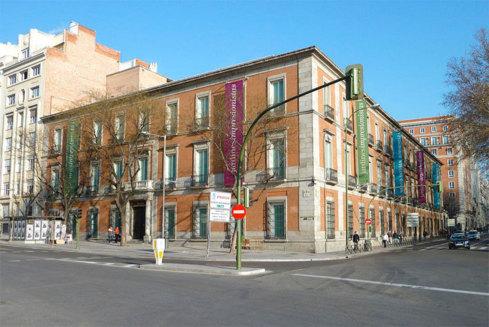 Vista exterior del Palacio de Villahermosa (Museo Thyssen-Bornemisza) de Madrid (España) © Luis García