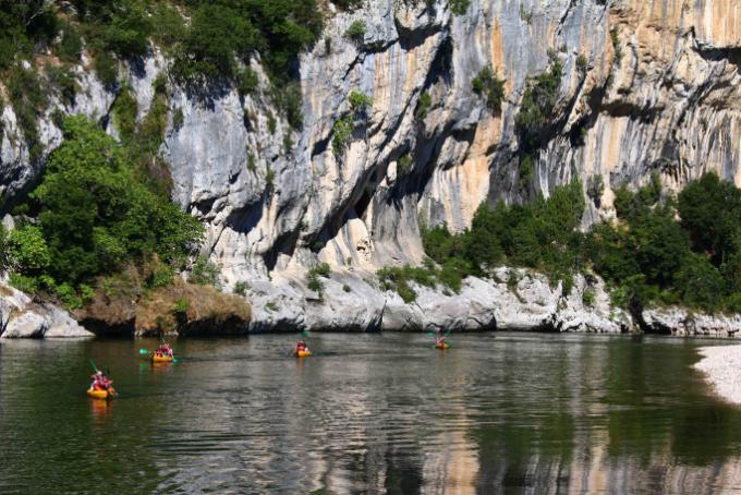 Les Gorges de l'Ardèche entre Châmes et Gaud © Sébastien Gayet