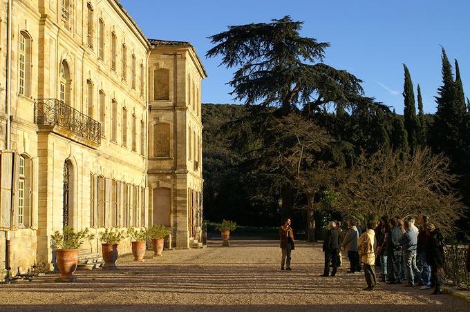 Château-Abbaye de Cassan. La terrasse © DR