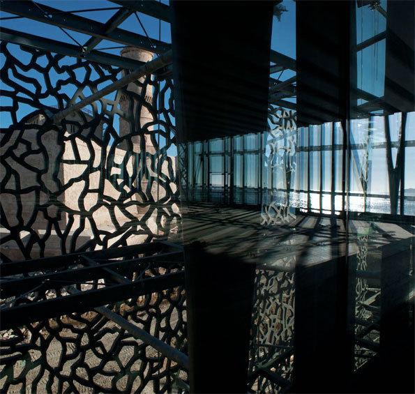 MuCEM en construction. Intérieur du bâtiment du J4 © Lisa Ricciotti