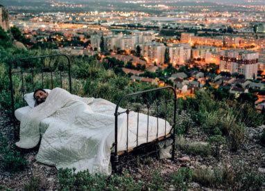 L'Insomnante propose son « hôtel à ciel ouvert », une échappée du GR®2013 sur le plateau de Vitrolles, en mai et juillet 2013