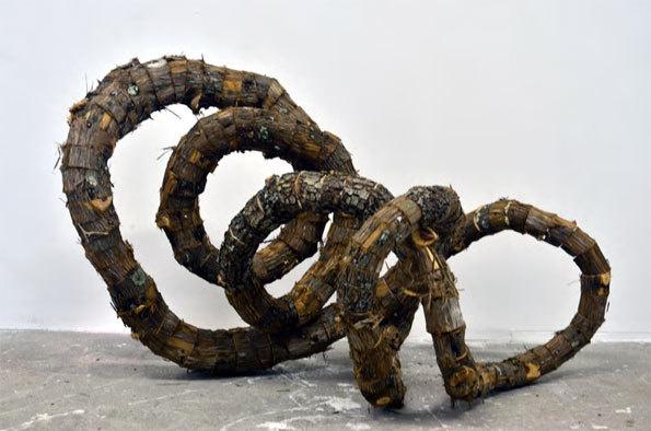 Tatiana WOLSKA Sans Titre, 2012 Bois découpés 51 x 92 x 53 cm Courtesy Galerie Catherine Issert