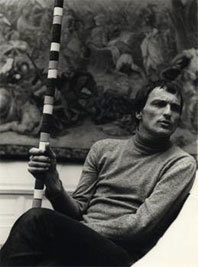 Portrait d'André Cadere au Museum van Hedendaagse Kunst, Gand, 1977 courtesy Succession Cadere et Galerie Hervé Bize, Nancy