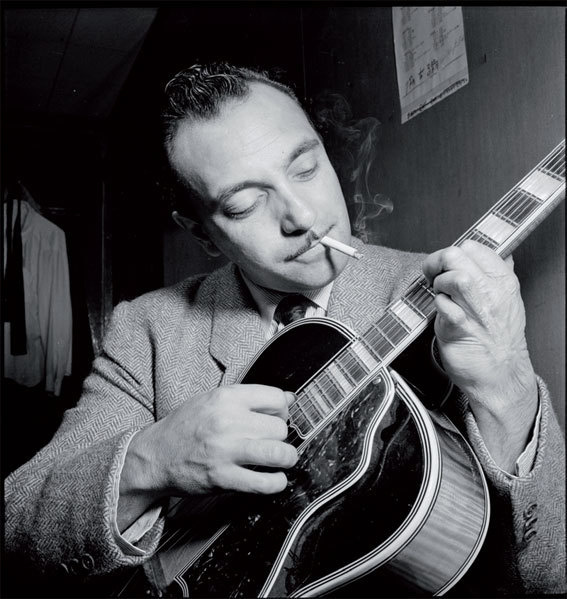 Portrait de Django Reinhardt, Aquarium, New York, N.Y., 1946. Coll. Library of Congress / William P. Gottlieb