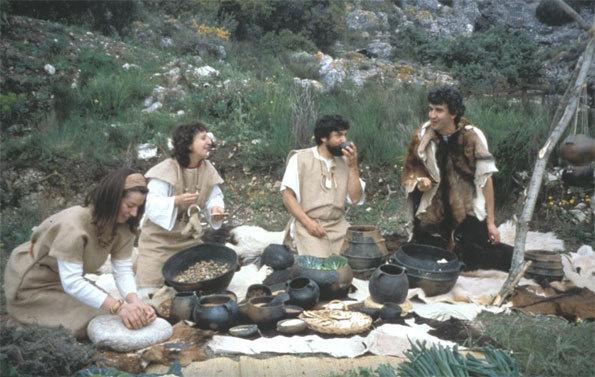 Repas Préhistorique devant la grotte en 1997