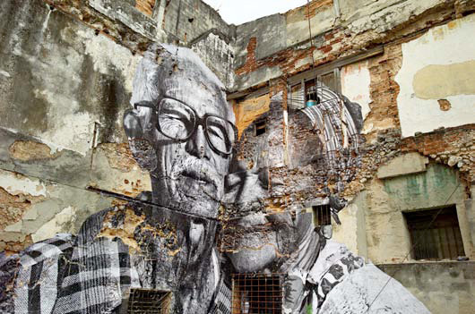 JR , The Wrinkles of the City (La Havana, Rafael Lorenzo y Obdulia Manzano, Cuba), 2012 Tirage photographie © 2013 JR – ADAGP/Courtesy l'artiste et Galerie E. Perrotin, Paris